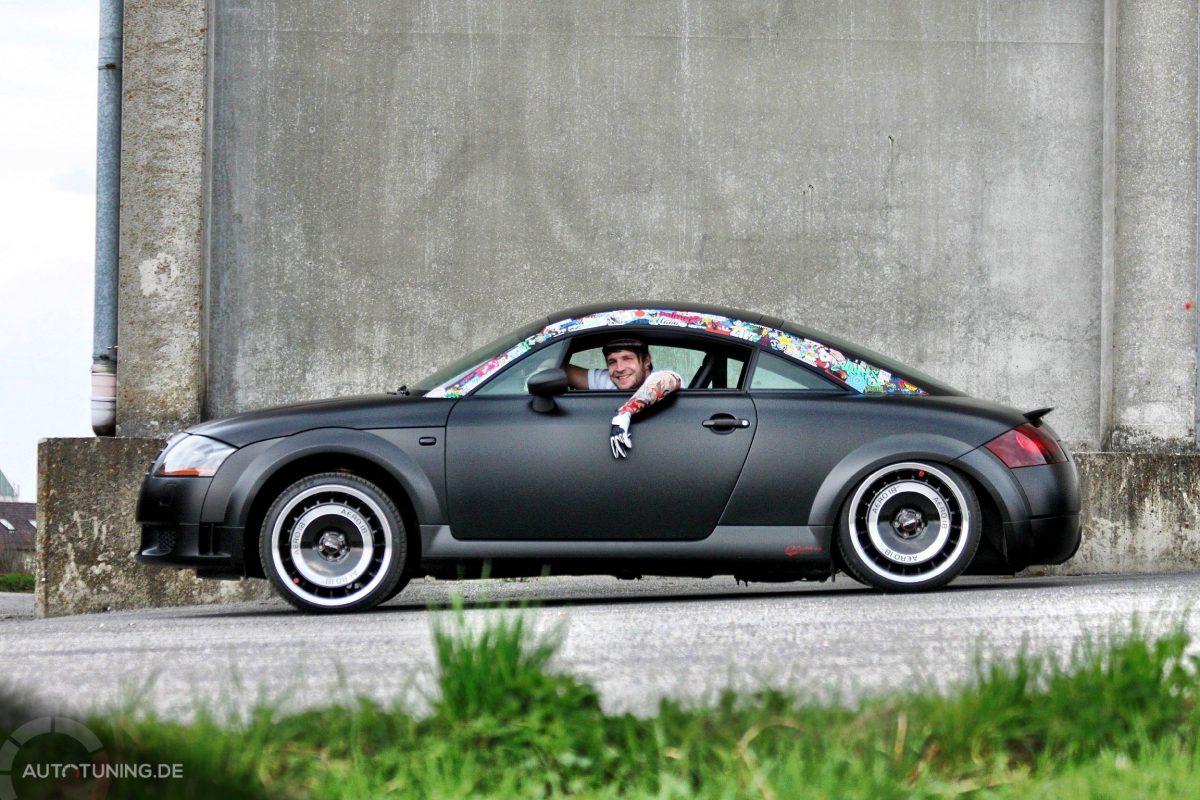 Tiefschwarzer Audi Tt Im Retro Matt Desig