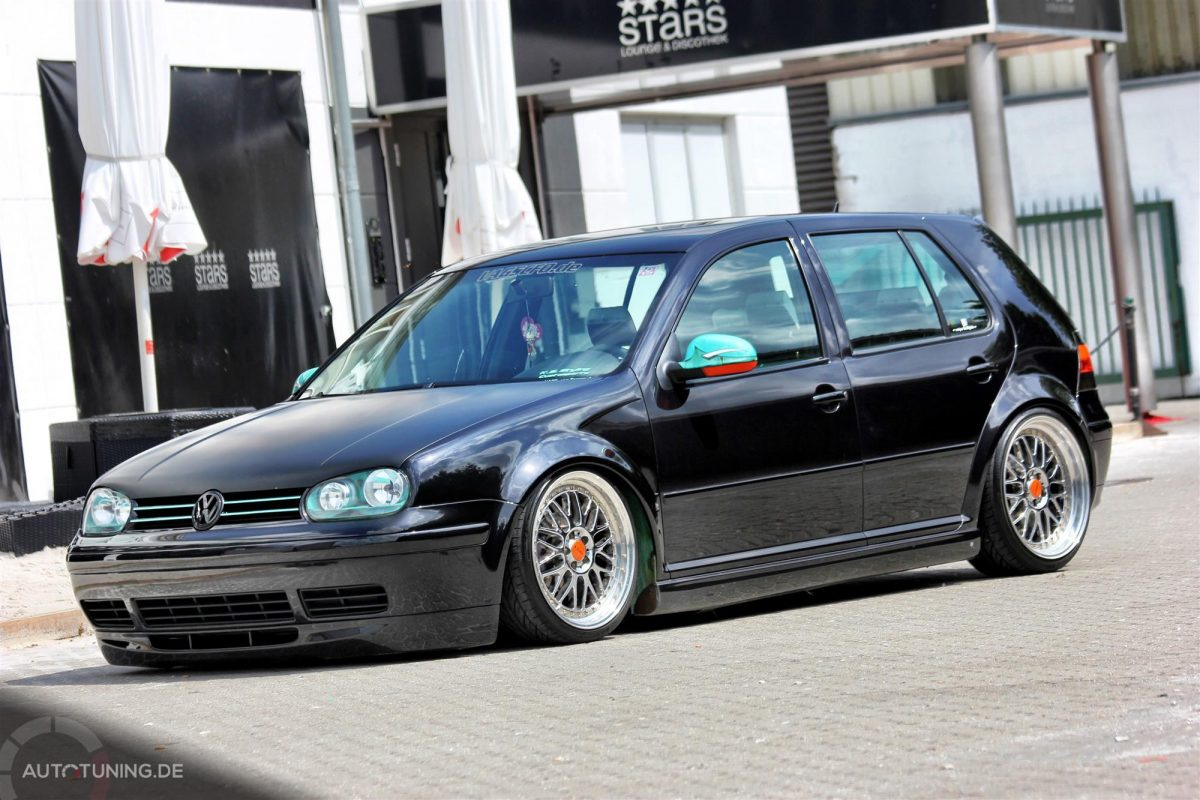 vw golf iv altes design in reinster form. Black Bedroom Furniture Sets. Home Design Ideas