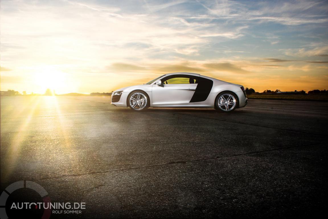 Audi R8 im Sonnenuntergang
