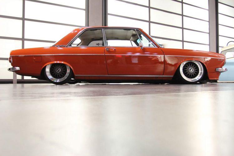 Audi 100 (2)