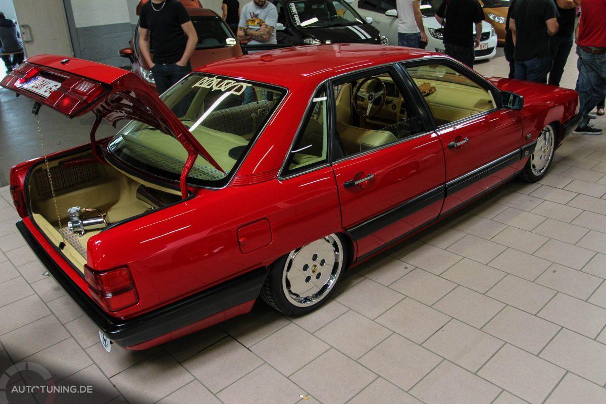 Audi 100 C3: Ein rarer Roter - AUTOTUNING.DE