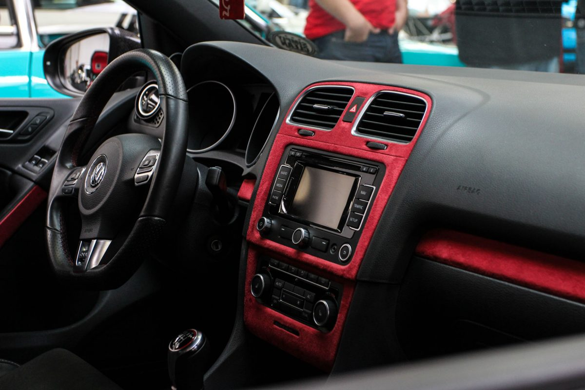 Vw golf mk6 gti goes r autotuning de for Interieur tuning auto