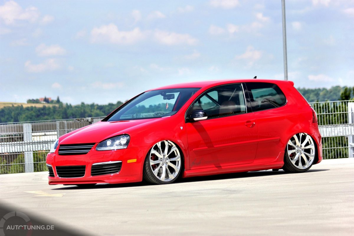 vw golf 5 gti riding in red autotuning de. Black Bedroom Furniture Sets. Home Design Ideas