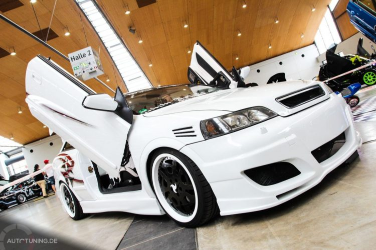 opel-astra-coupe-white-knight (2)