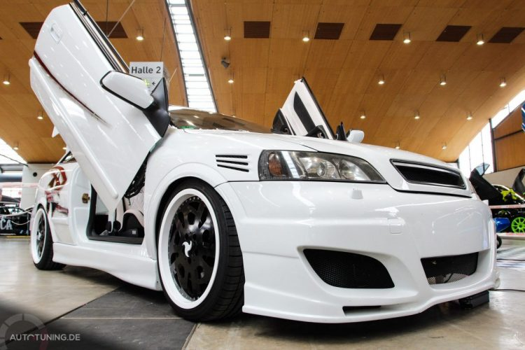 opel-astra-coupe-white-knight (8)