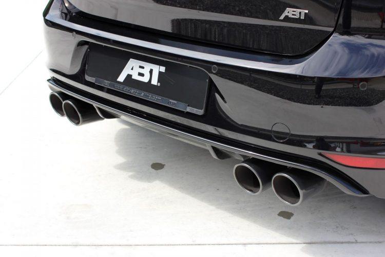 Etwas dick aufgetragen: Die Endrohre des ABT Golf R 400