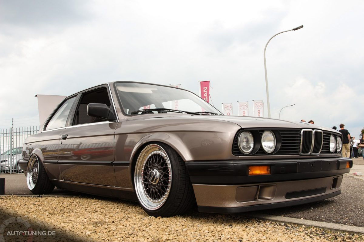 bmw e30 undercover eine granate autotuning de. Black Bedroom Furniture Sets. Home Design Ideas