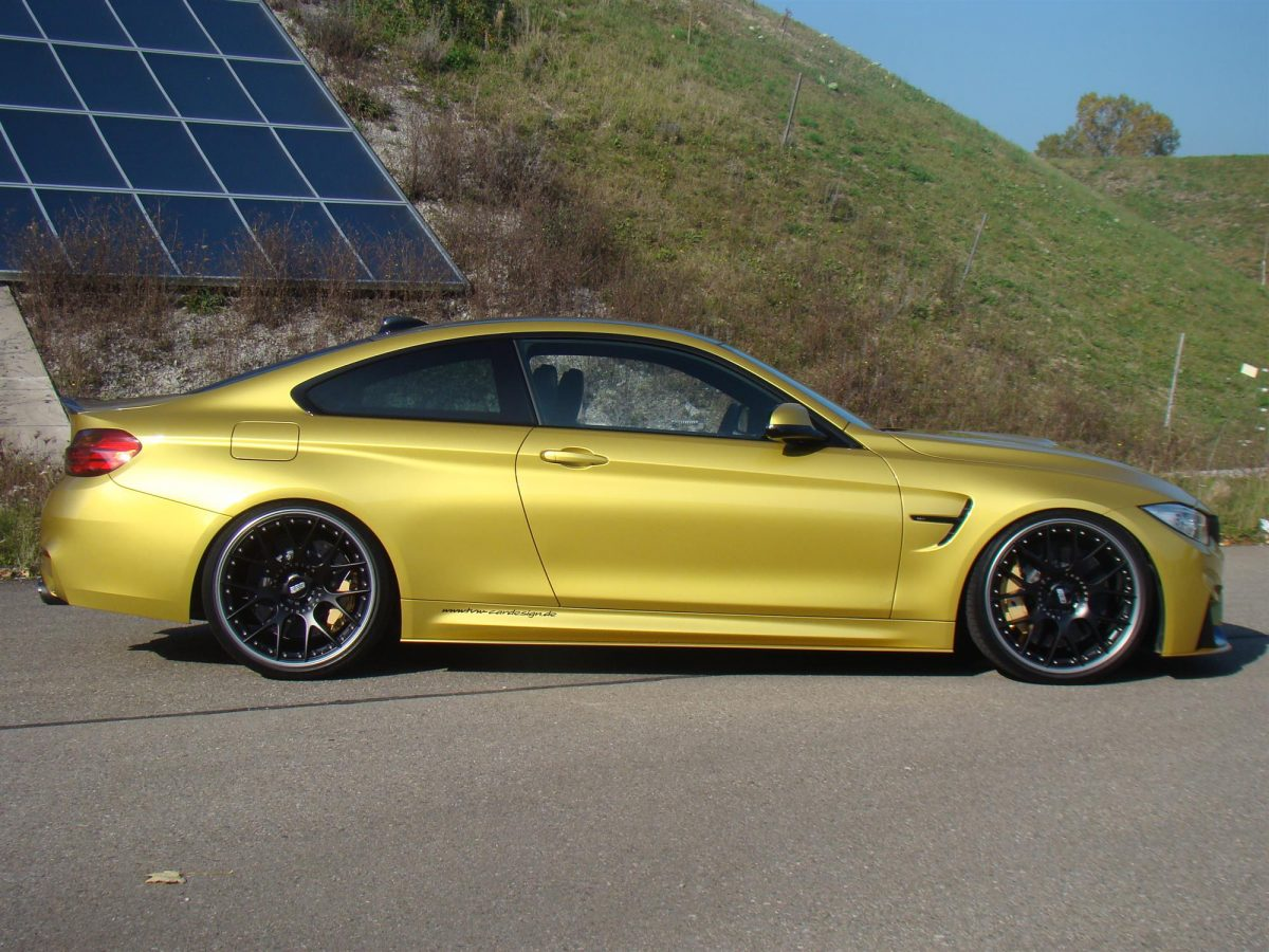 bmw m4 gelb speed yellow gelber bmw m4 competition mit. Black Bedroom Furniture Sets. Home Design Ideas