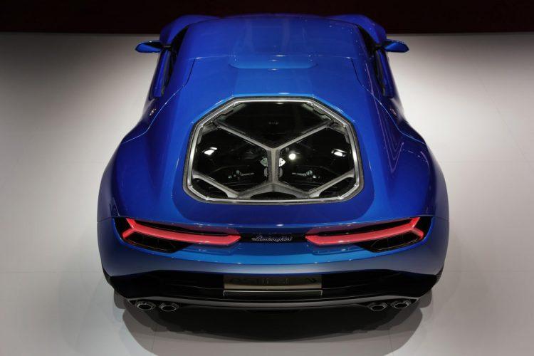 Blick auf's Triebwerk: Der Lamborghini Asterión LPI 910-4 zeigt seinen V10