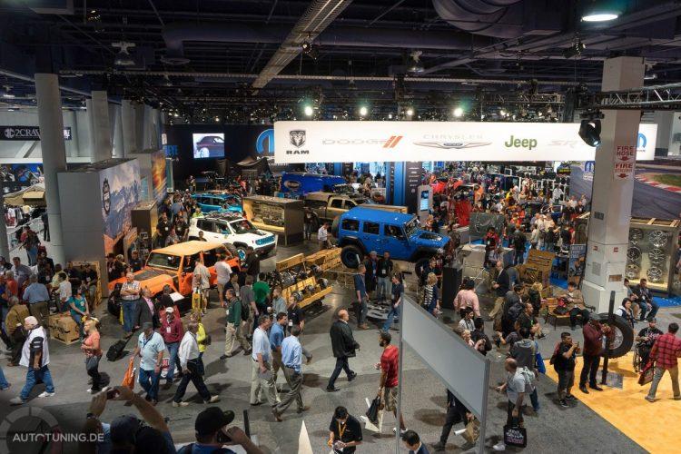 Volle Hütte: Die SEMA Las Vegas 2014 zieht wieder reichlich Besucherschaft in ihre Hallen