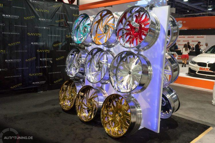 Oh du schönes Räderwerk: Auch ausgefallene Felgen hatte die SEMA Las Vegas 2014 zu bieten