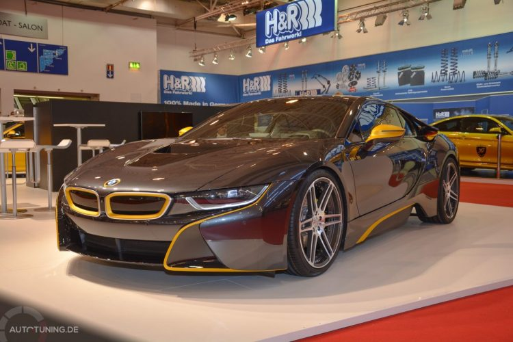 Der BMW i8 von Manhart Performance steht in Halle 11