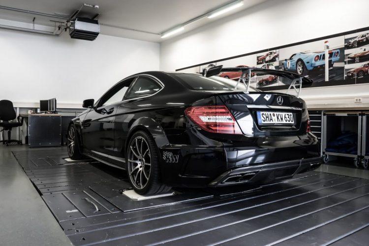 Vorhang auf für den Mercedes C63 AMG Black Series mit neuem KW-Fahrwerk