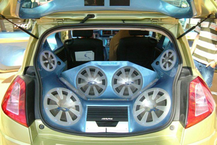Auch von innen lässt sich ein normales Auto zum Showcar umfunktionieren.