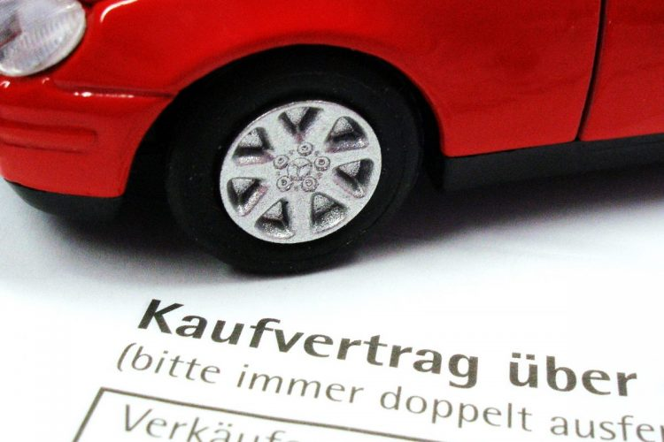Abwicklung leicht gemacht: Am besten über den Händler oder das Autohaus. © Claudia Hautumm / pixelio.de