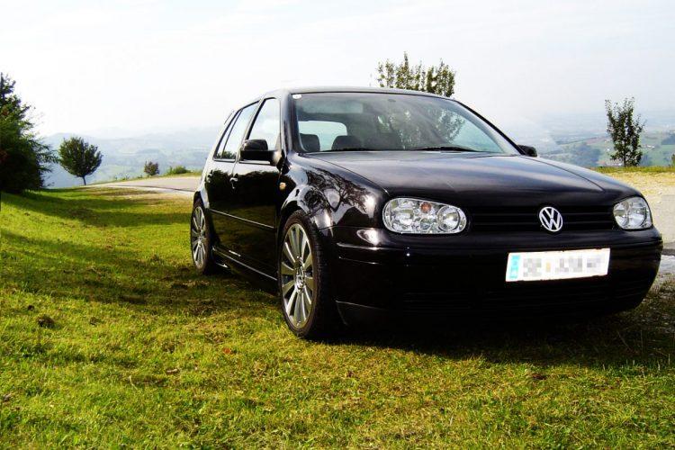 Nach wie vor ein beliebtes Tuningobjekt: Der VW Golf 4. © BorstiStumpf / pixelio.de