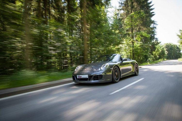 Die Kurvenhatz wird im Porsche Carrera GTS zum Vergnügen, wahlweise mit Heck- oder Allradantrieb.