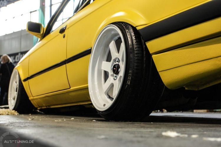 BMW E30 04