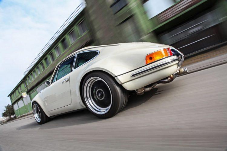 Nostalgisch, aber flott: Der Kaege Retro wirkt äußerlich als Oldie, die Technik stammt aber aus der 993-Generation.