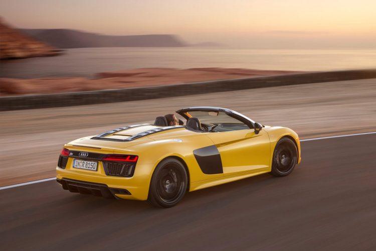 Das Triebwerk des Audi R8 Spyder V10 arbeitet gänzlich freisaugend.