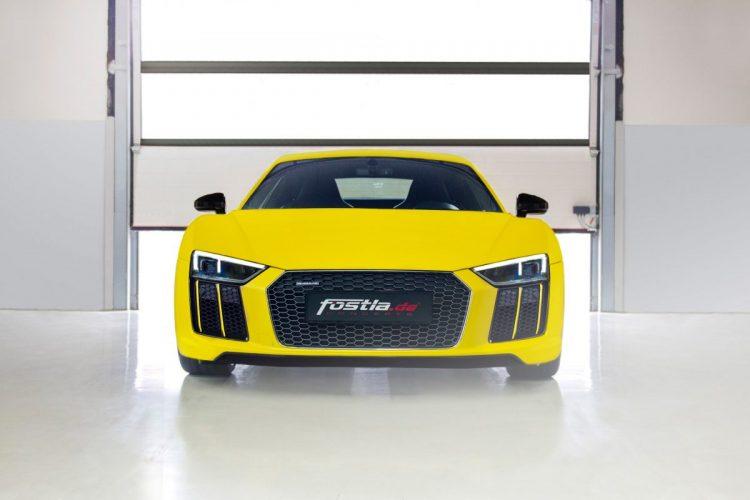 Die Pracht braucht ein Gesicht: Der Audi R8 V10 plus mit Sonderfolierung von fostla.de.