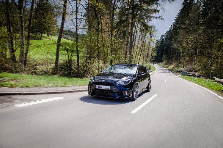 Sprintstark und spurfreudig: Der Ford Focus RS macht über Land richtig Laune.
