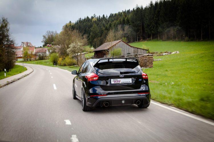 Besonders stark mit modernem AWD: Der Ford Focus RS verteilt seine Antriebskräfte geschickt auf alle vier Räder.