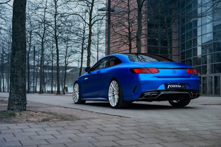 Heckansicht des Mercedes-AMG S 63 Coupé