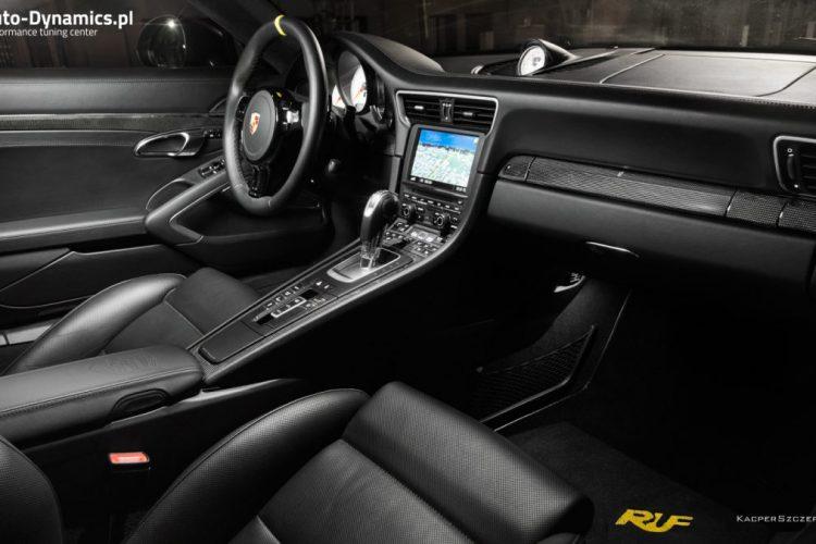 Innnenraum des Porsche 911 Turbo S Dark Knight von auto-Dynamics