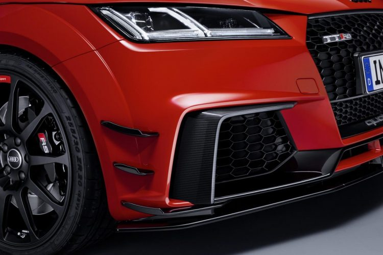 Detailansicht der Front des Audi TT RS