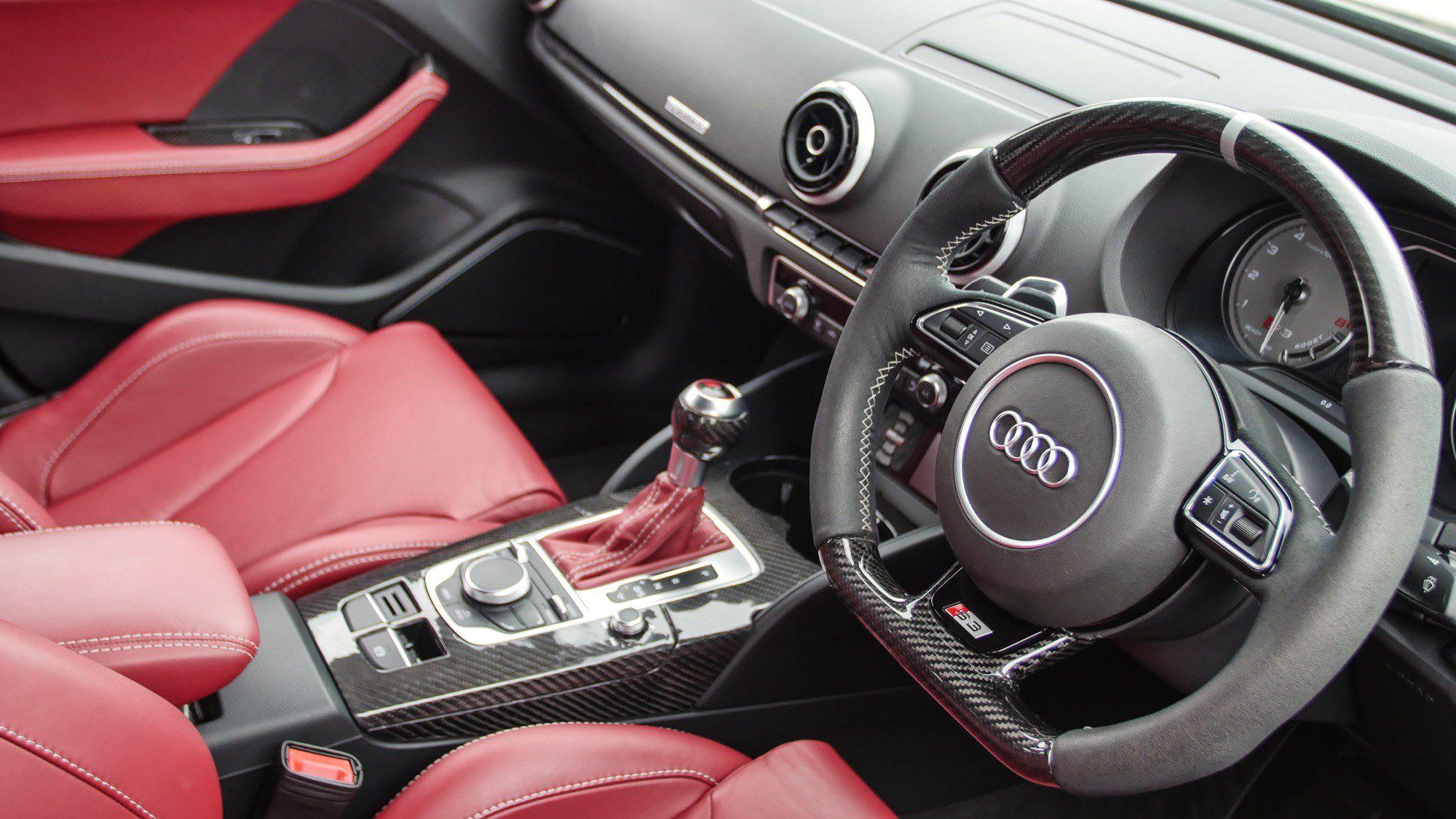 Innenraum der Audi S3 Limousine