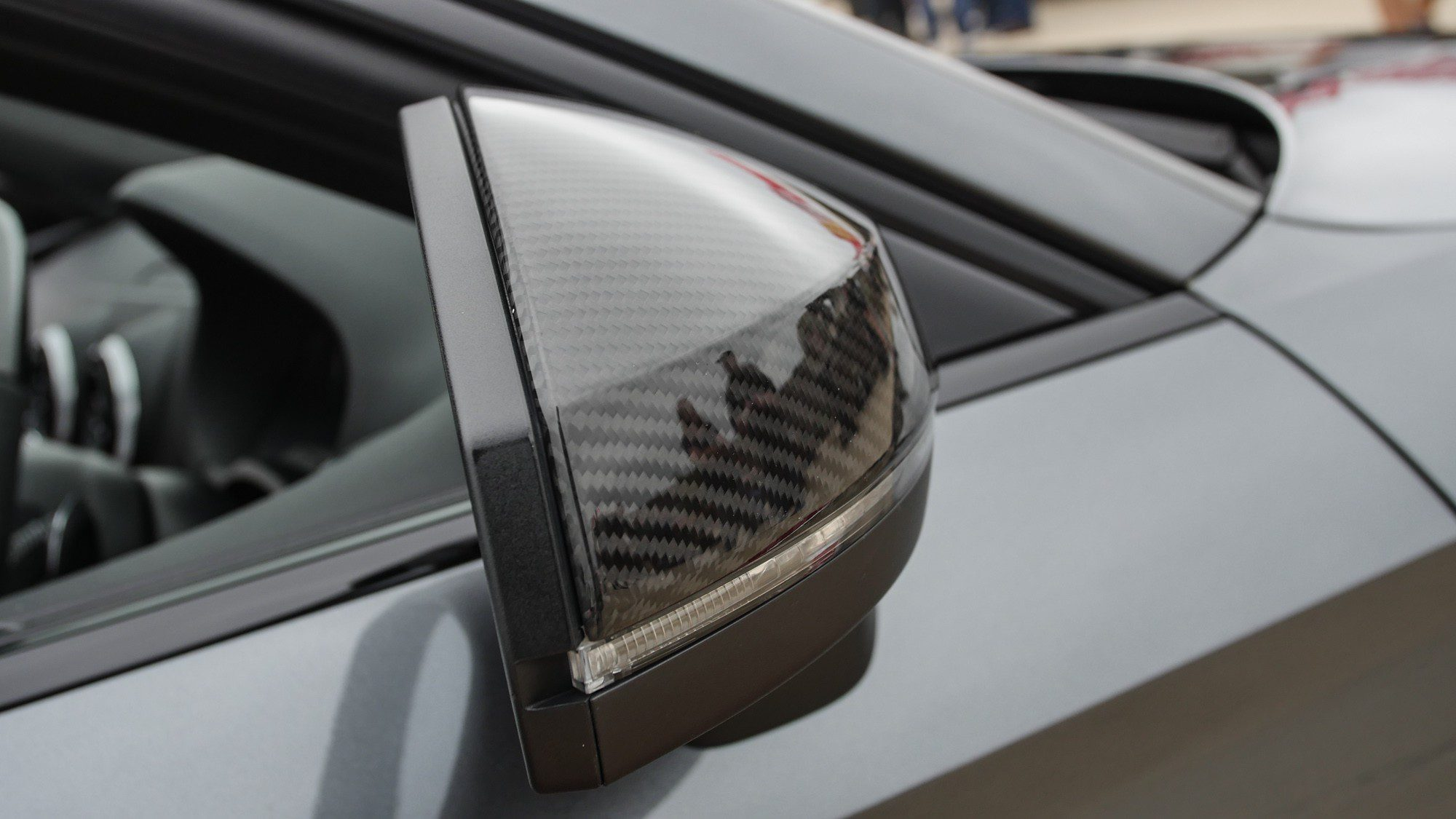 Seitenspiegel aus Carbon an der Audi S3 Limousine