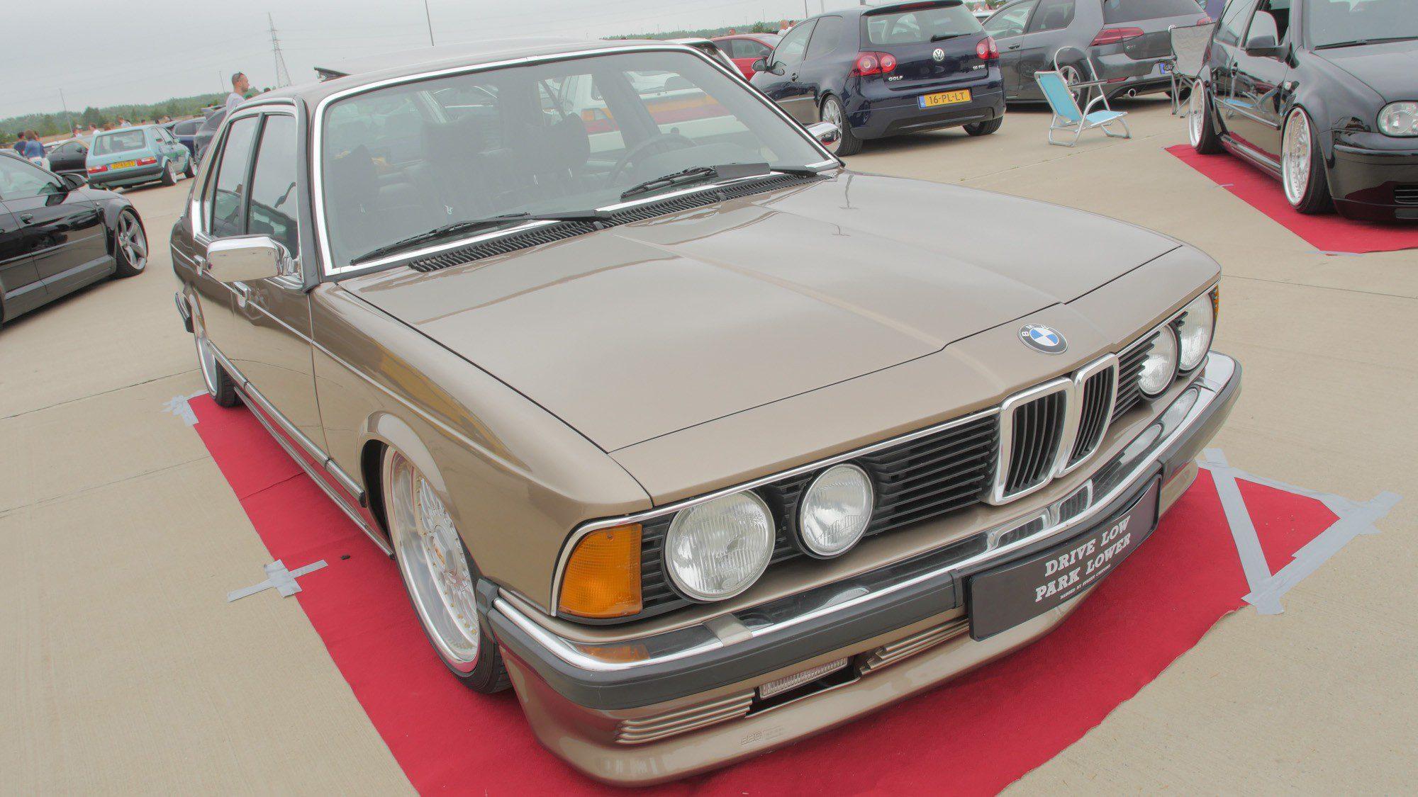 Front des BMW E23