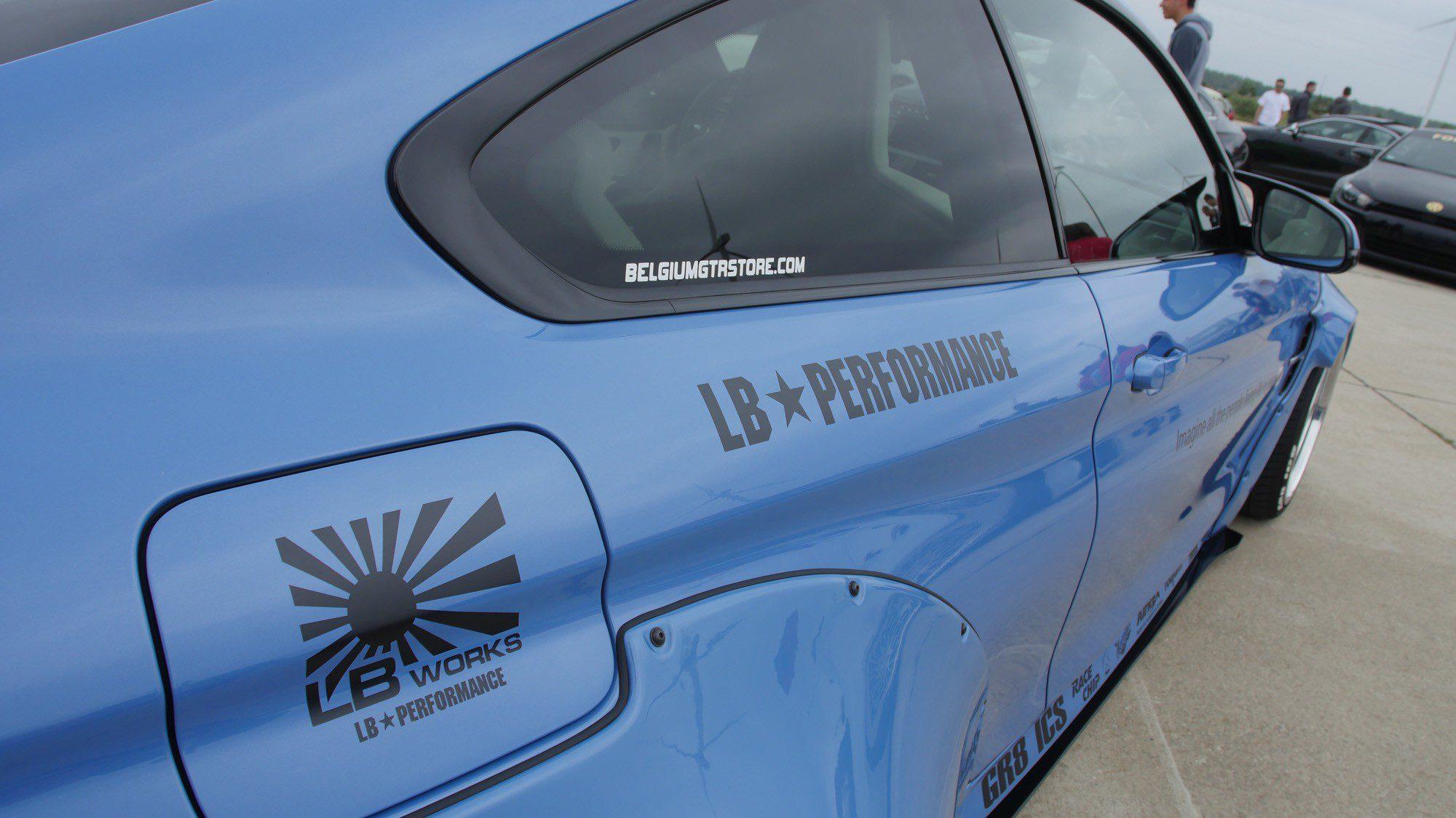 Detailansicht der Seite des BMW M4