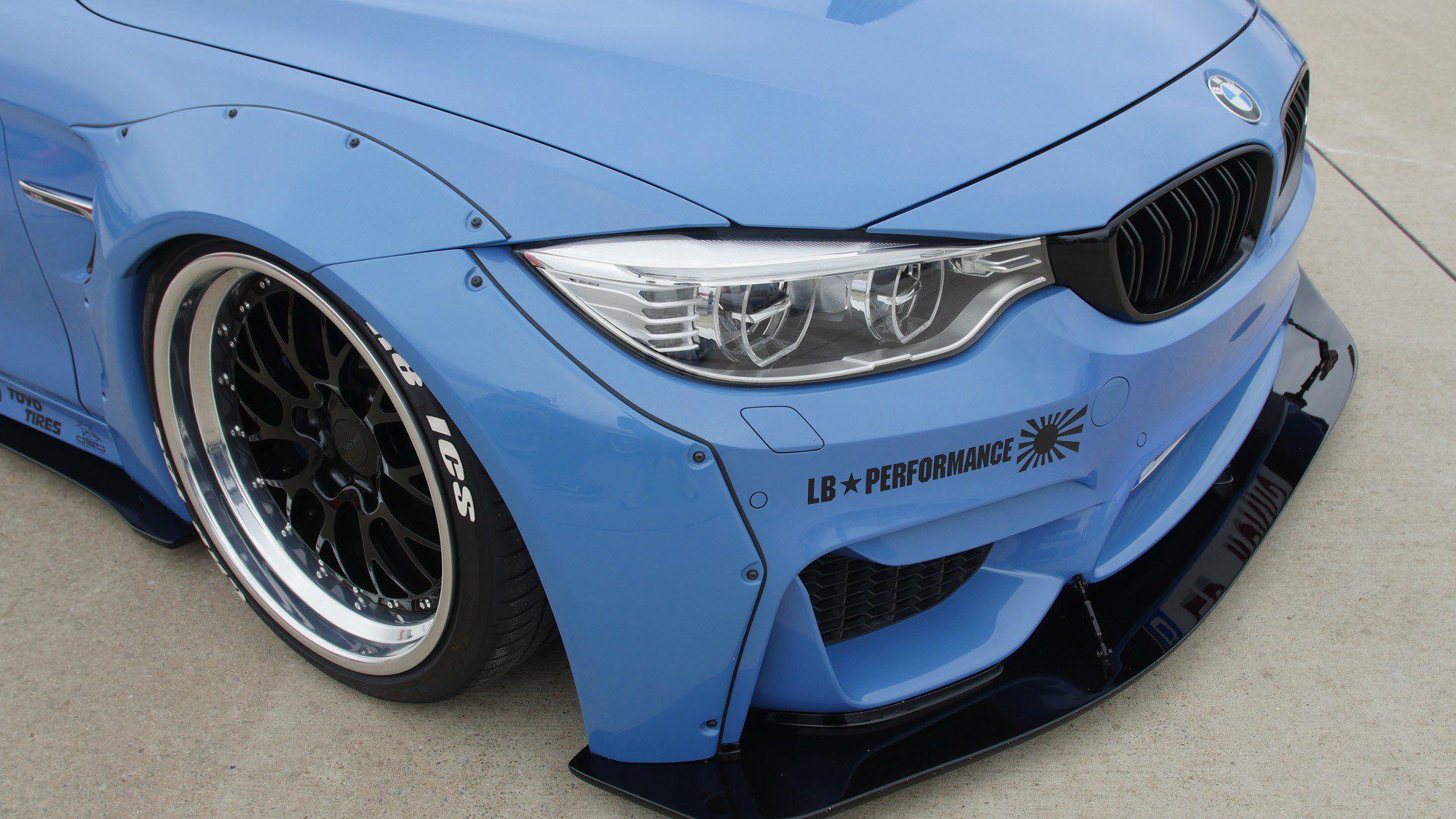 Detailansicht der Front des BMW M4