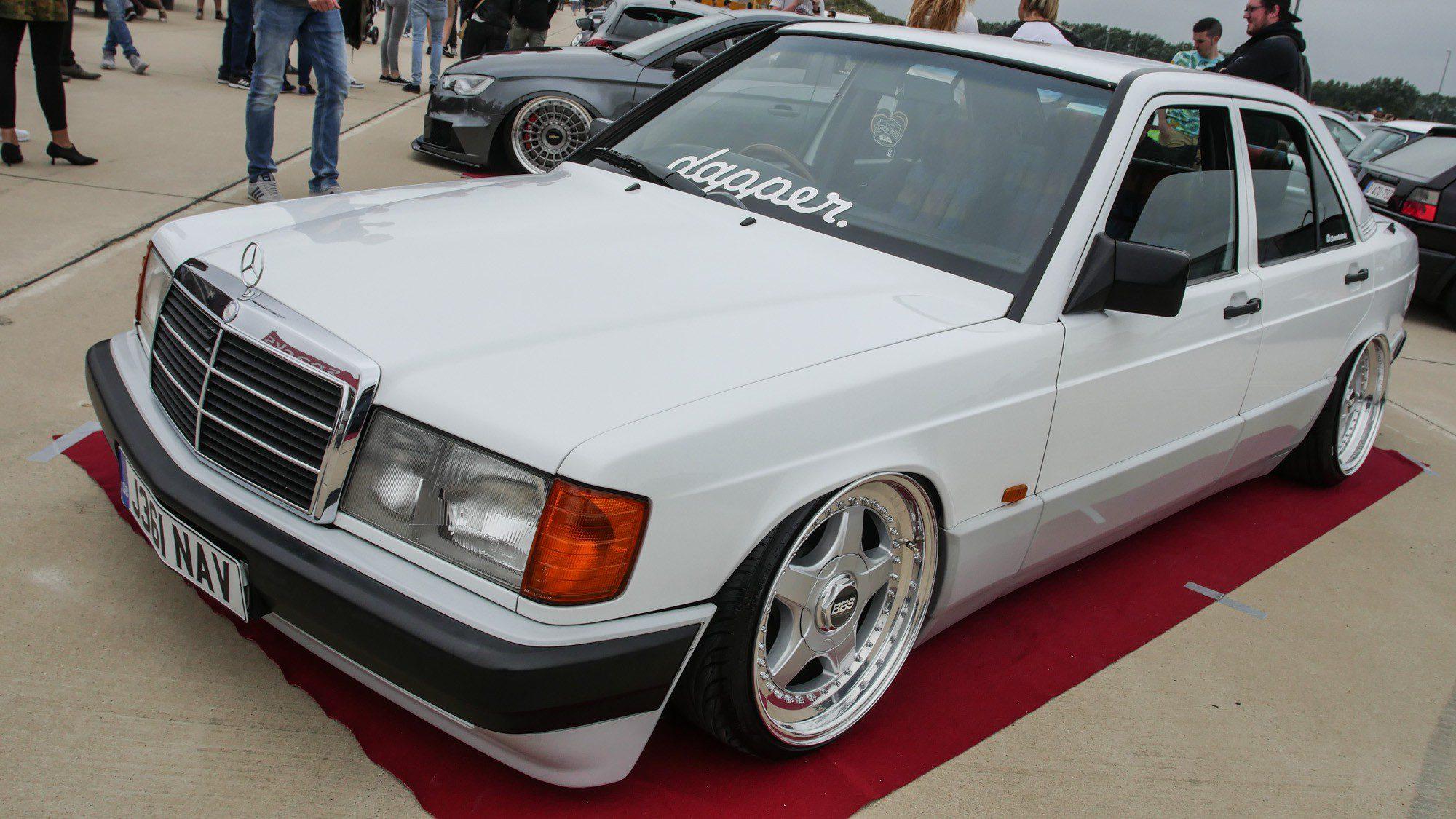 Frontansicht des Mercedes-Benz 190