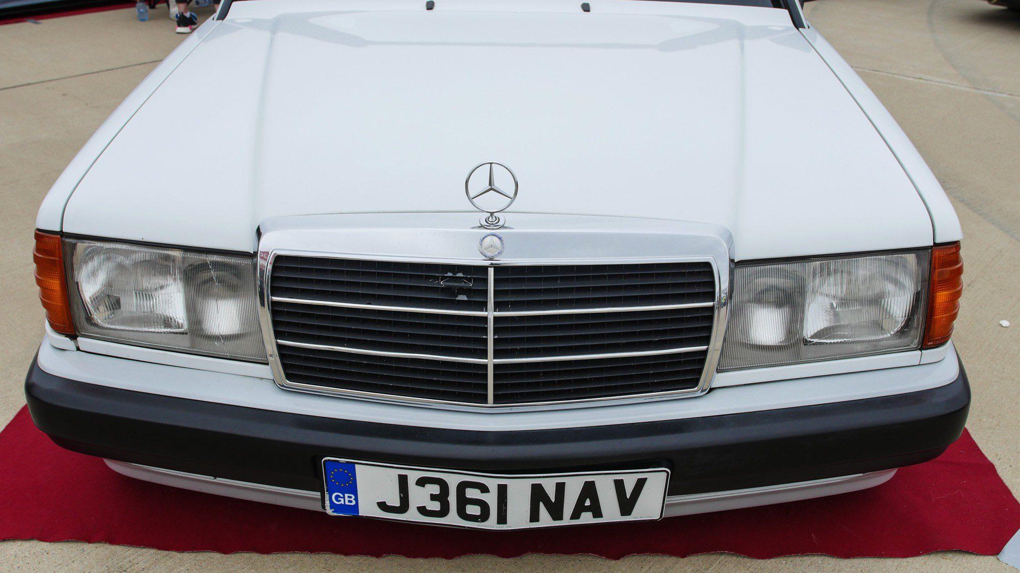 Front des Mercedes-Benz 190