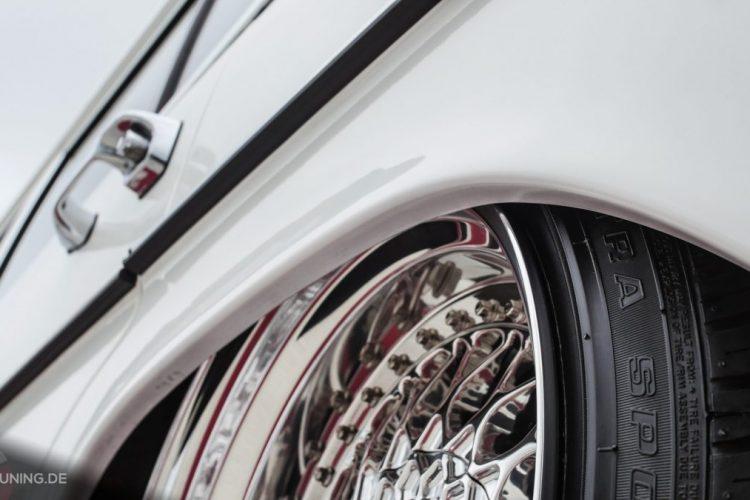 Detailansicht der BBS-Räder auf dem Mercedes-Benz W 115