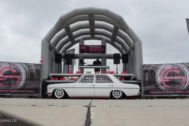 Seitenansicht des Mercedes-Benz W 115