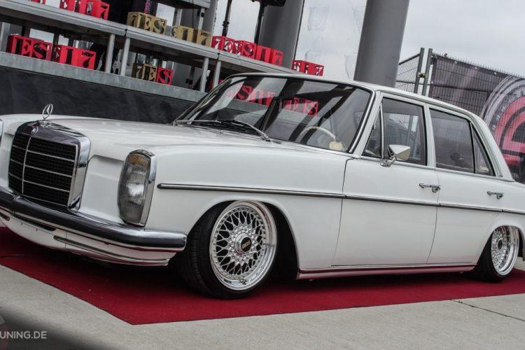 Seitenansicht des Mercedes W115