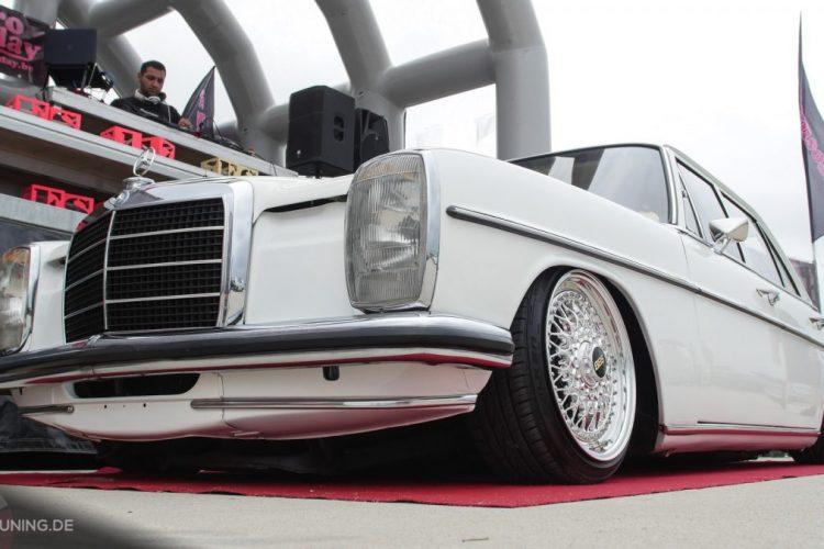 Frontansicht des Mercedes-Benz W 115