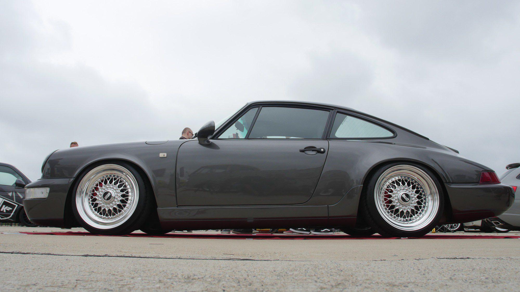 Seitenansicht des Porsche 964