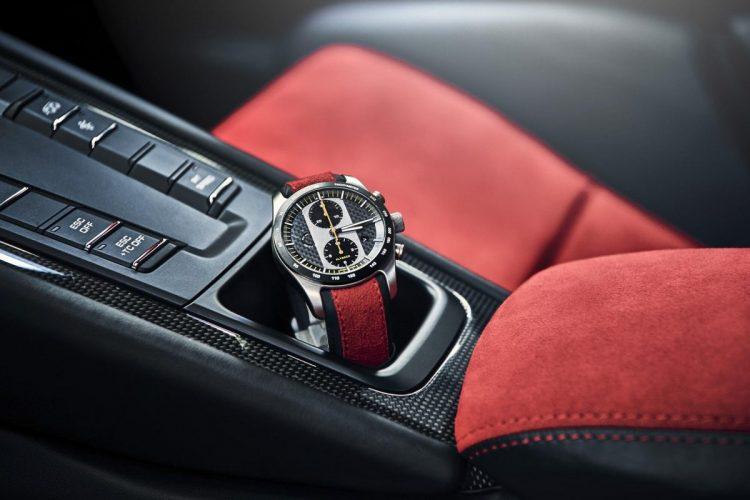 Passend zum Porsche 911 GT2 RS: Der Chronograph mit individueller Fahrgestellnummer