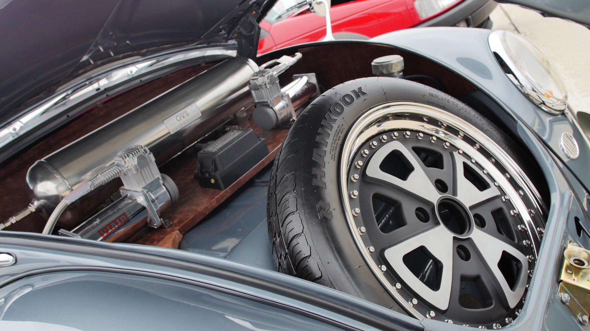 Reserverad im VW Käfer