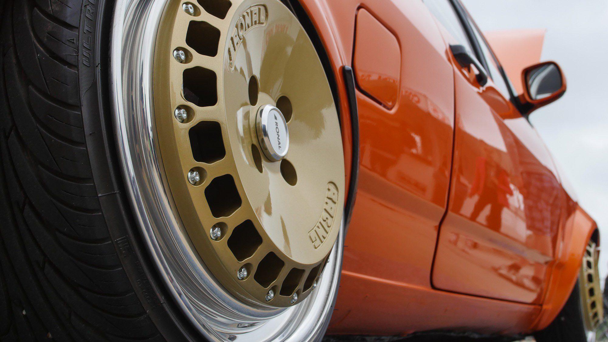 Detailansicht der Räder des VW Polo 86C