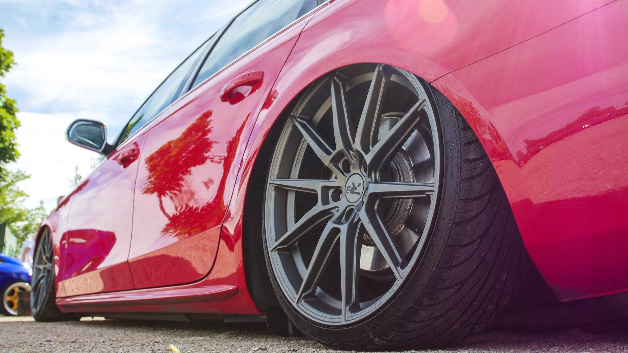 R3-Wheels auf dem Audi S4 Avant