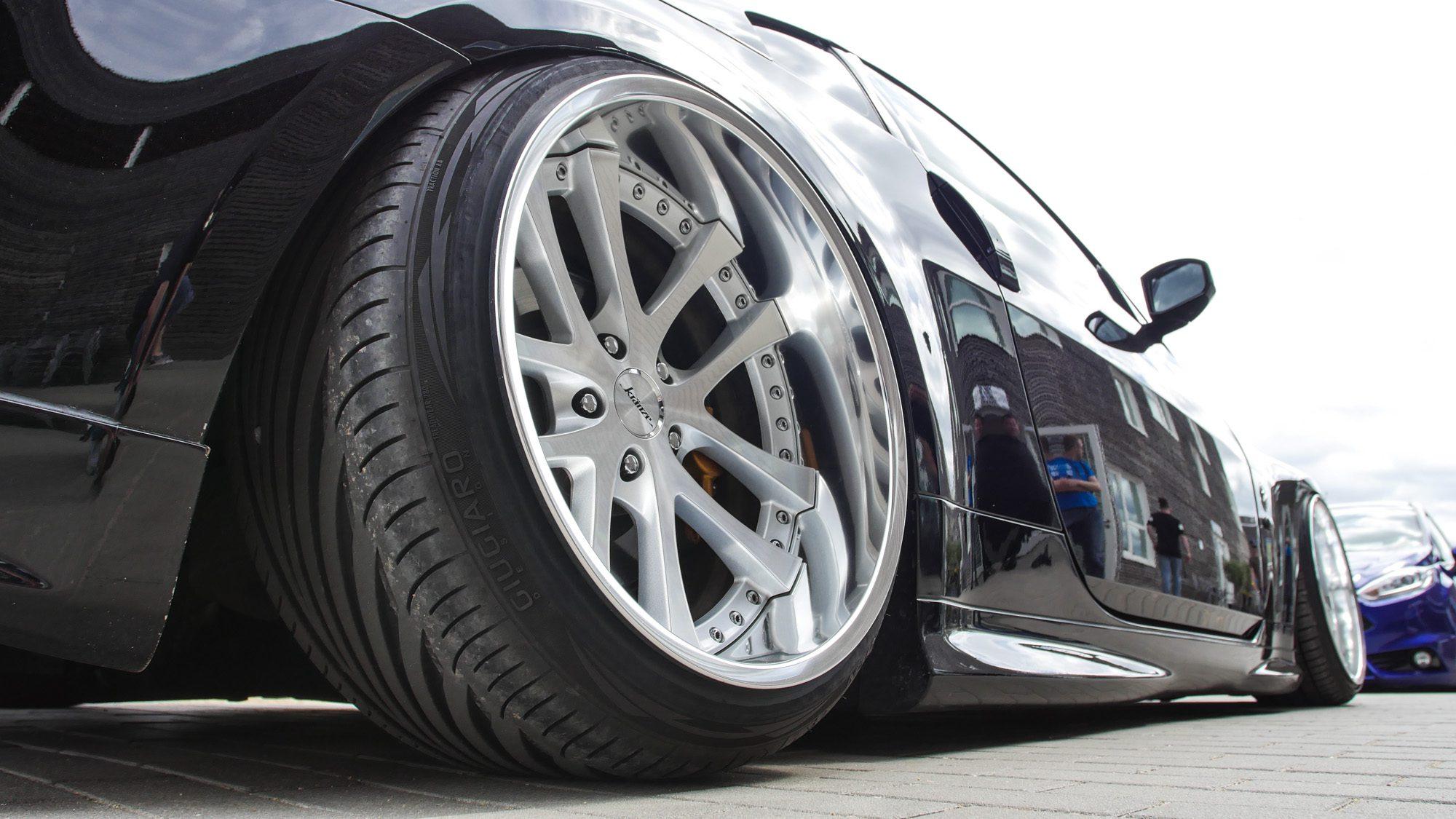 Kränze-Räder mit ordentlich Tiefbett auf dem Nissan 350Z
