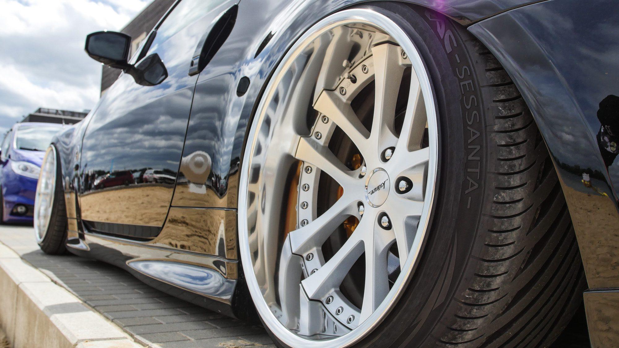Passen wie die Faust aufs Auge: Kränze-Wheels auf dem Nissan 350Z