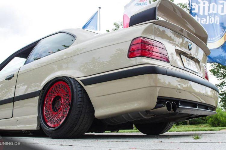 Heckpartie des BMW E36