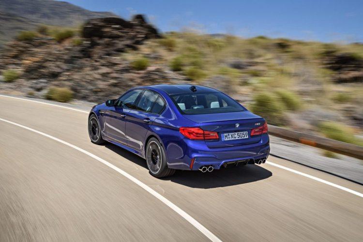 Auch auf der Landstraße macht der BMW M5 G30 eine richtig gute Figur!